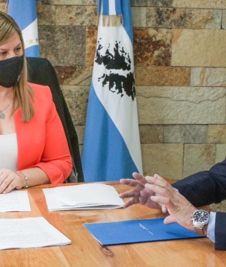 LA INTENDENTA FIRMÓ UN CONVENIO ENTRE EL MUNICIPIO Y EL MINISTERIO DE DESARROLLO Y HÁBITAT DE LA NACIÓN