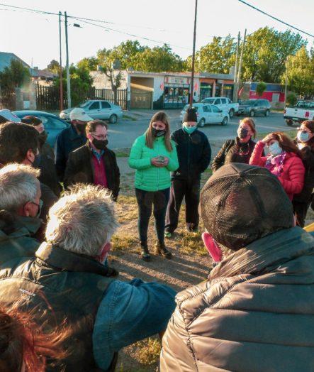 LA INTENDENTA GLORIA RUIZ SE REUNIÓ CON VECINOS DEL BARRIO LOS CANALES